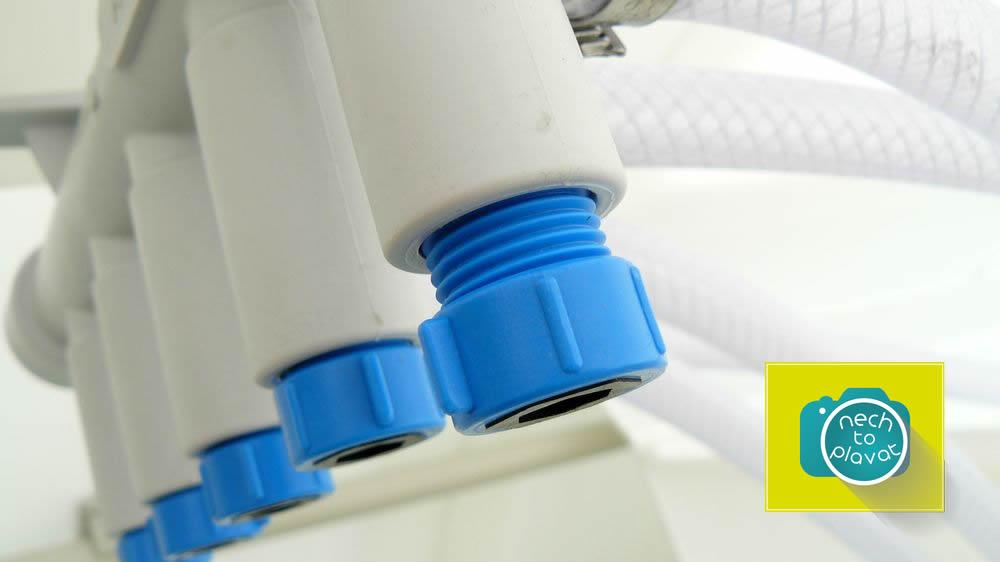 Domácí čistička AQUATEC AT - detail ventilů manuálního rozdělovače vzduchu